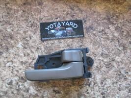 98 99 00 01 02 03 Toyota Sienna Oak Brown Right Inside Door Handle Oem Yota Yard - $14.85