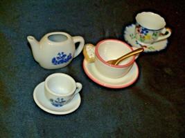 Miniature Pitcher, Tea Cups & Saucers AB 299 Vintage image 2