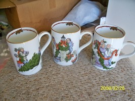 Fitz and Floyd set of 3 mugs (Deck the Halls) 1 set available - $25.89
