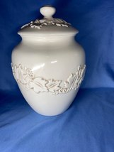 Seattle Inspirado Stonelite Ceramic Cookie Biscuit Jar White Made In China - $14.99