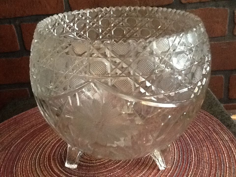 Large Centerpiece/Fruit Bowl - Footed Daisies American Brilliant Period - $32.85
