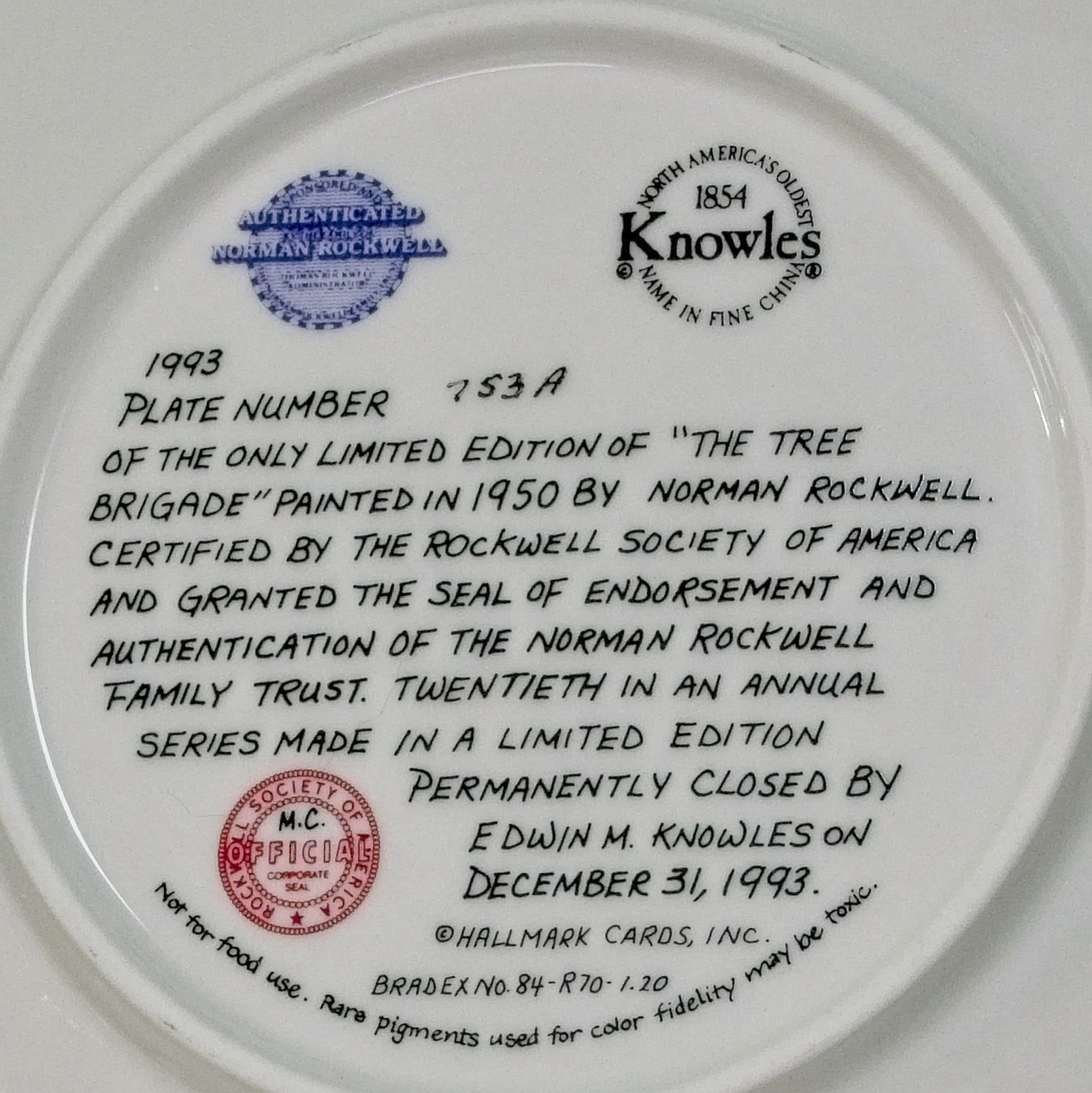 "1993 Knowles Norman Rockwell Christmas Collector Plate, ""The Tree Brigade"""