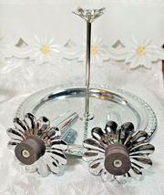 VINTAGE SALT AND PEPPER MAGNETIC TRAY WITH HANDLE METAL image 4
