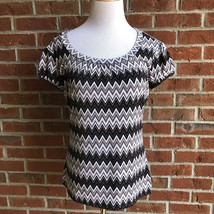 Worthington Stretch Short Sleeve Top - Size M - $14.54