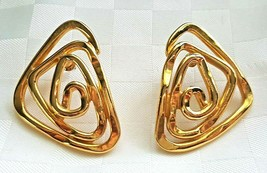AVON VINTAGE EARRINGS GOLD TONE SPIRAL ARROW LARGE GEOMETRIC SCRIBBLE PI... - $29.00