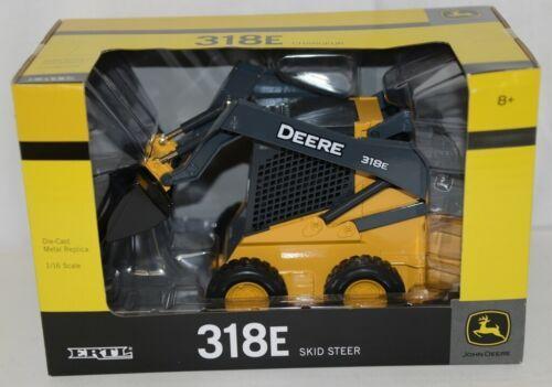 John Deere LP51308 Die Cast Metal Replica 318E Skid Steer