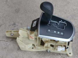 2012 HYUNDAI ACCENT BLACK FLOOR SHIFT ASSEMBLY  image 1