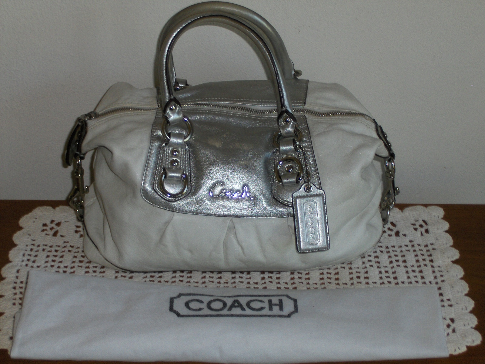 ... ashley satchel white leather silver metallic handbag tote bag purse  f15445 59.99 f4998 dbde4 france nwt coach ashley leather orange convertible  travel ... 220d406ac6