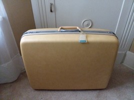 "Yellow Samsonite Silhoette Hard Shell Luggage Hardcase No Key 19"" T x 25"" W - $42.07"