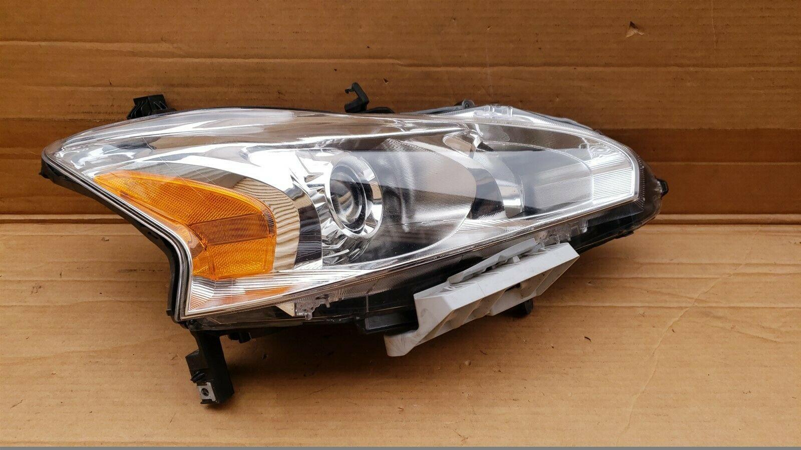 13-15 Nissan Altima Sedan Halogen Headlight Lamp Passenger Right RH