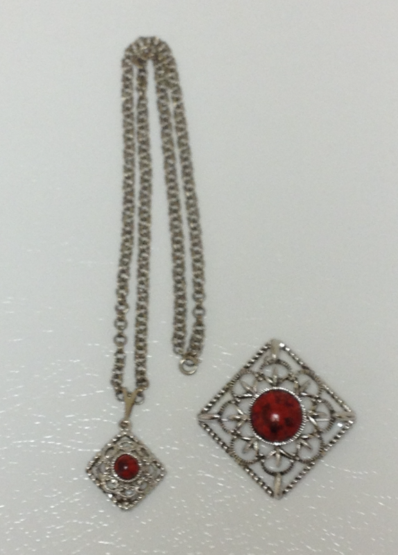 Sarah Coventry Vintage 1978 Inca Fire Red Pendant Necklace and Brooch Set
