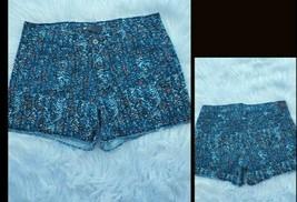 Levis Shorts Size 12 Womens Blue Multicolor Mid Rise Raw Hem Denim - $20.85