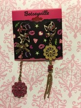 Authentic Betsey Johnson Betseyville drop earrings New - $12.19