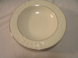 Rimmed Soup Bowls (6) Homer Laughlin HHB Lead Free Creamy White with Gol... - $19.50