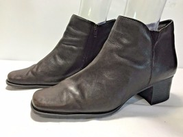 Bass Nadine Women's Brown Leather Zipper Ankle Boot Heel Size 10W - $24.95