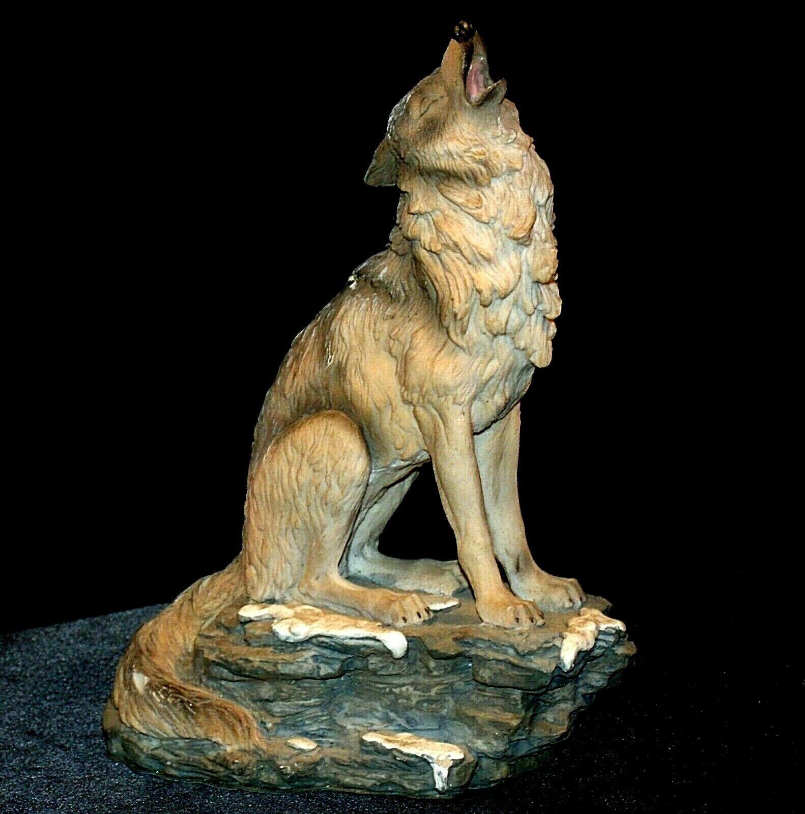 Wolf Figurine AB 252 Vintage
