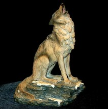 Wolf Figurine AB 252 Vintage image 1