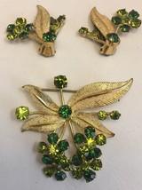 Vintage Austria Rhinestone Pin Brooch Clip Earring Set Green Flower Gold... - €27,50 EUR