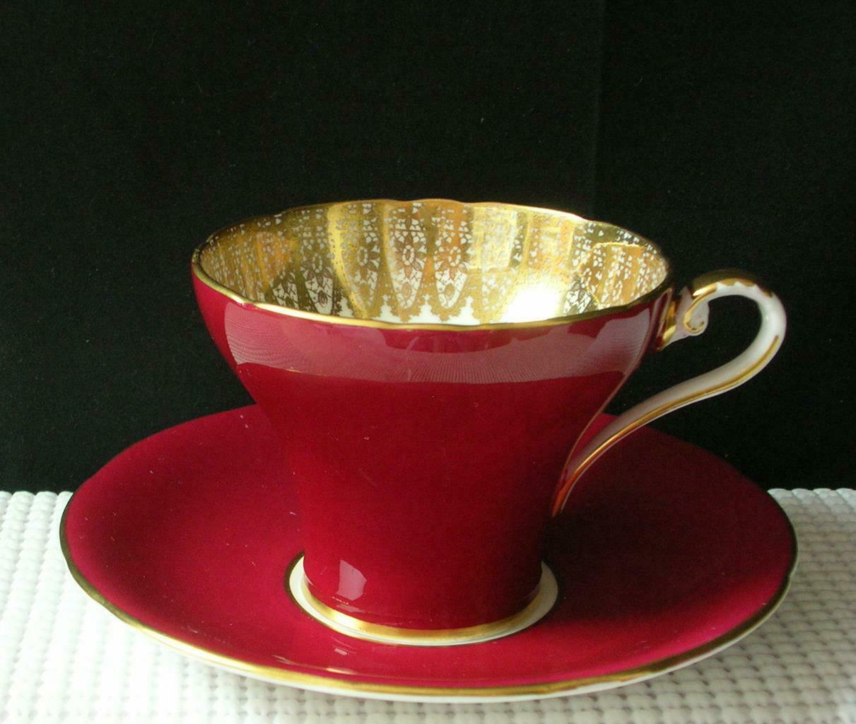 Vintage RED Aynsley FLAT TEA CUP & SAUCER Gold Filigree #1713 China England EUC image 2