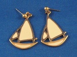 Vintage Sailboat Earrings - $13.85