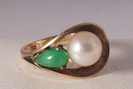 Mid Century Modern Akoya Pearl and Jade 14K Yellow Gold Ring - $185.82