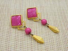 Magenta Pink White Swirl Geometric Dangle Post Earrings 1980's - $19.80