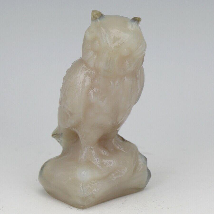 """Vintage Boyd Glass Tuscan Pink Owl Figurine c1980 Diamond B Mark on Side 3 1/4"""""""