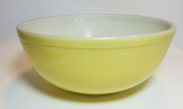 Pyrex Primary Yellow 4 Quart  Mixing Bowl 404 TM REG No Number Mid Century - $29.65