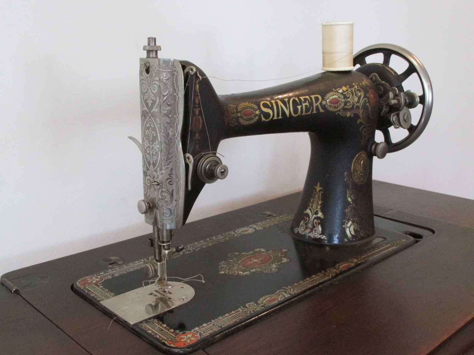Antique Singer 66 Red Eye Sewing Machine And 50 Similar Items