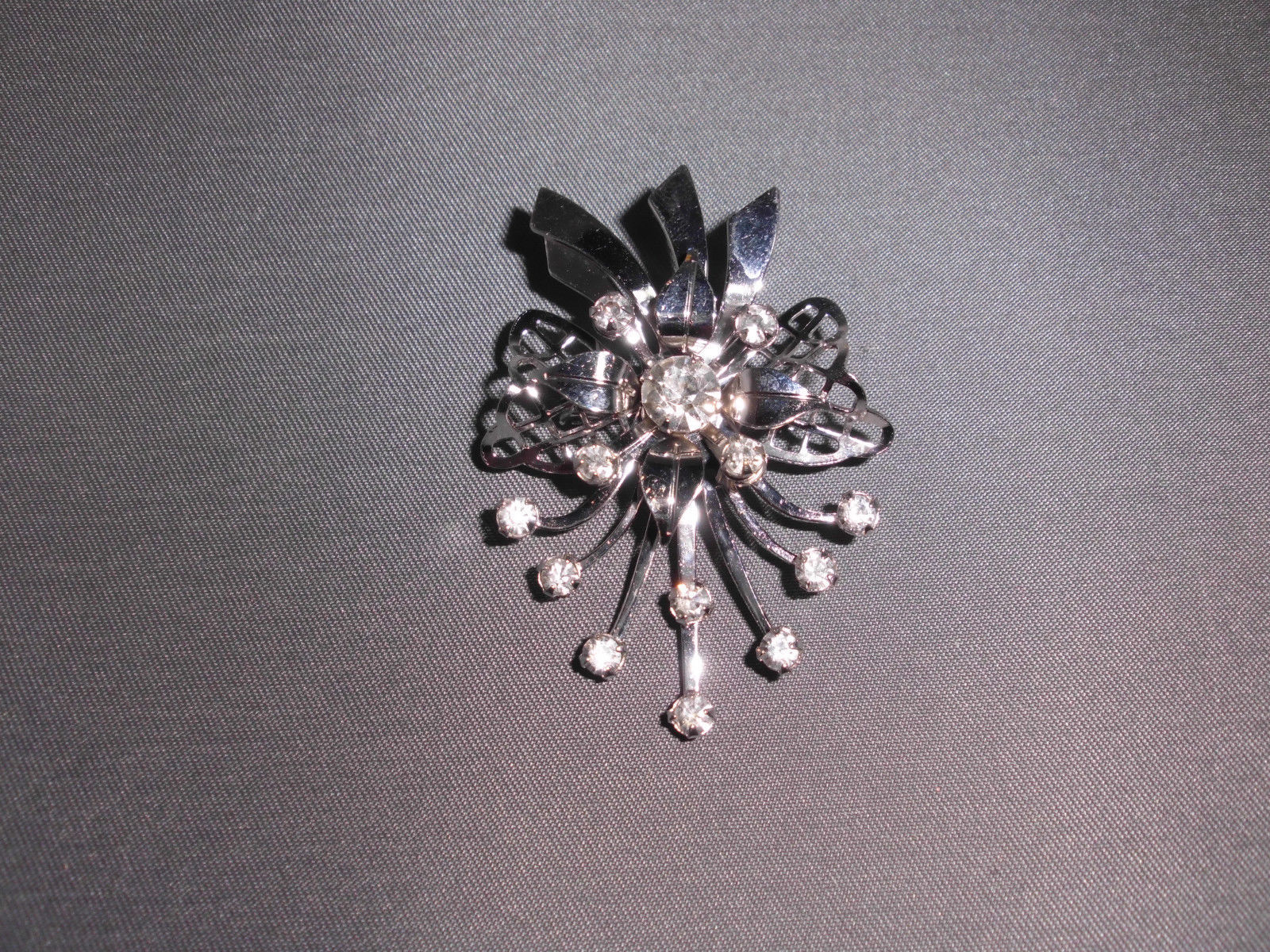 VTG Silver Tone Clear Rhinestone Cubic Zirconia Bouquet Pendant & Pin Brooch image 1