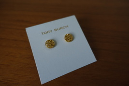 Tory Burch Logo Circle Studs Earrings In Gold Color. New - $54.99