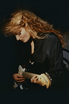 Wynonna Judd Cool Pose Playing Guitar 24x18 Poster - $23.99