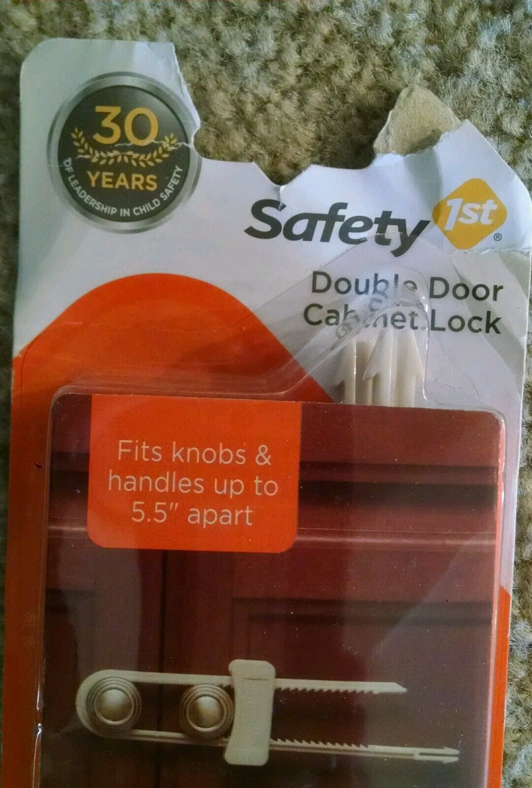 """Safety 1st Double Door Cabinet Lock (2 Pack) Fits Cabinets Up To 5.5"""" Apart NEW."""