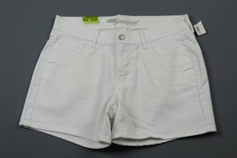 NWT- OLD NAVY The Sweetheart White Jean shorts Size 6 - $12.82