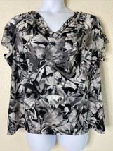 212 Collection Womens Plus Size 1X Gray Abstract Floral Blouse Short Sleeve - $15.84