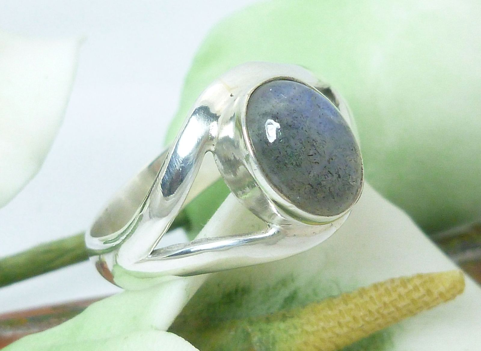 Sterling Silver Oval Labordorite Gemstone Ring Size 6.5