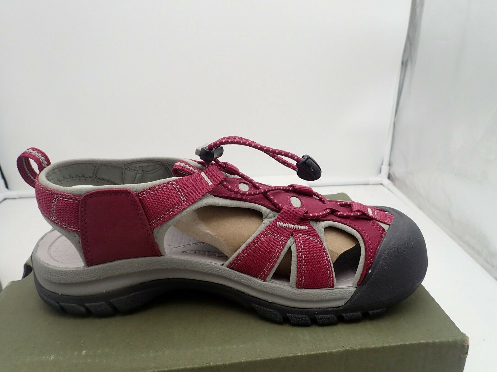 One Single Left Sandal size 10 M KEEN Women's Venice H2 Sandal Beet Red No right