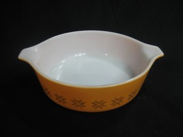 Vintage Pyrex Town and Country Small Casserole Dish #471 - 1 Pint - $9.46