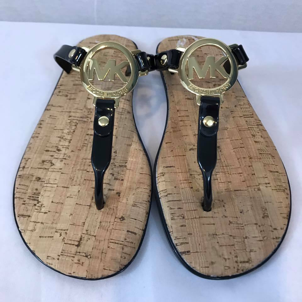 47b0b276f6d2 MICHAEL KORS Black Gold MK Logo Charm Jelly Cork Flip Flop Sandals Sz