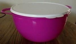 NEW Tupperware Thatsa MEGA Bowl hot Pink bowl white seal 42 Cups Two Han... - $36.74
