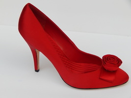 Enzo Angiolini Tigerlilly Sz 8.5 Red Satin Pumps Heels New Authentic - $39.99