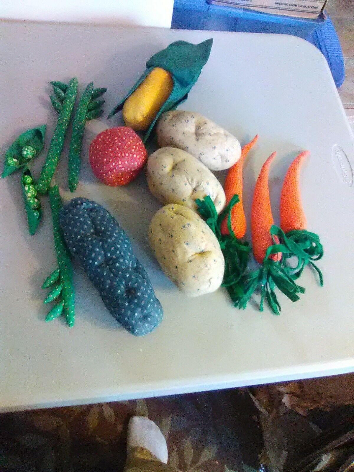 Longaberger Vegetable Sleigh Basket 1995  - Hand sewn vegetables image 2