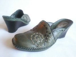 CLARKS ARTISAN 3 Tone Woven Wedge Clog Mules Shoes Green Leather Womens ... - $29.45