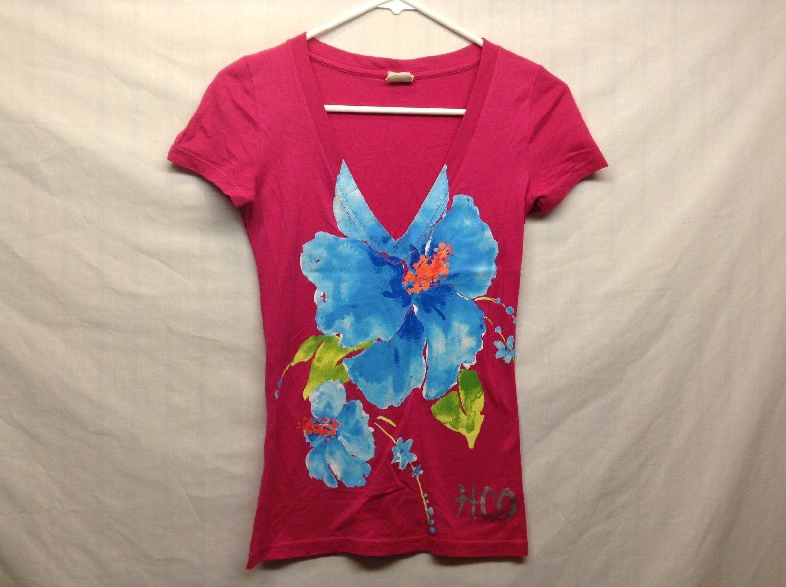 Hollister Short Sleeve Low V Neck Pink Floral Print Shirt Sz XS