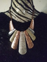 """NWOT Brass and Gold Tone Set Necklace 12"""" Earrings 1.5"""" Tooled Metal Light  - $12.16"""