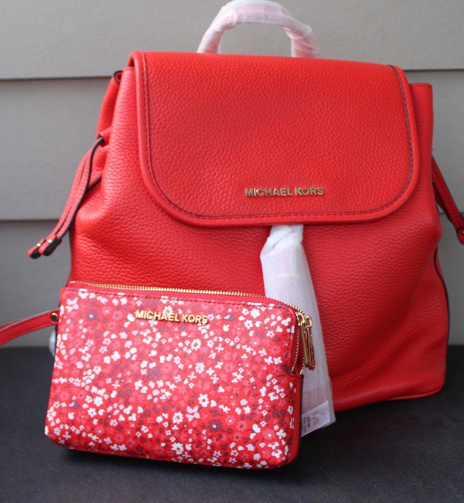 e9cd25daeaac S l1600. S l1600. Previous. NWT~ MICHAEL KORS BEDFORD SIENNA DRAWSTRING  BACKPACK LEATHER BAG ...