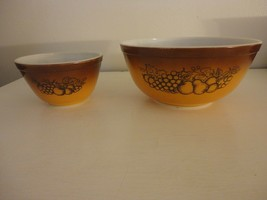 Lot of 2 Vintage Pyrex Old Orchard Mixing Bowl 401 403 1.5 pint and 2.5 ... - $24.74