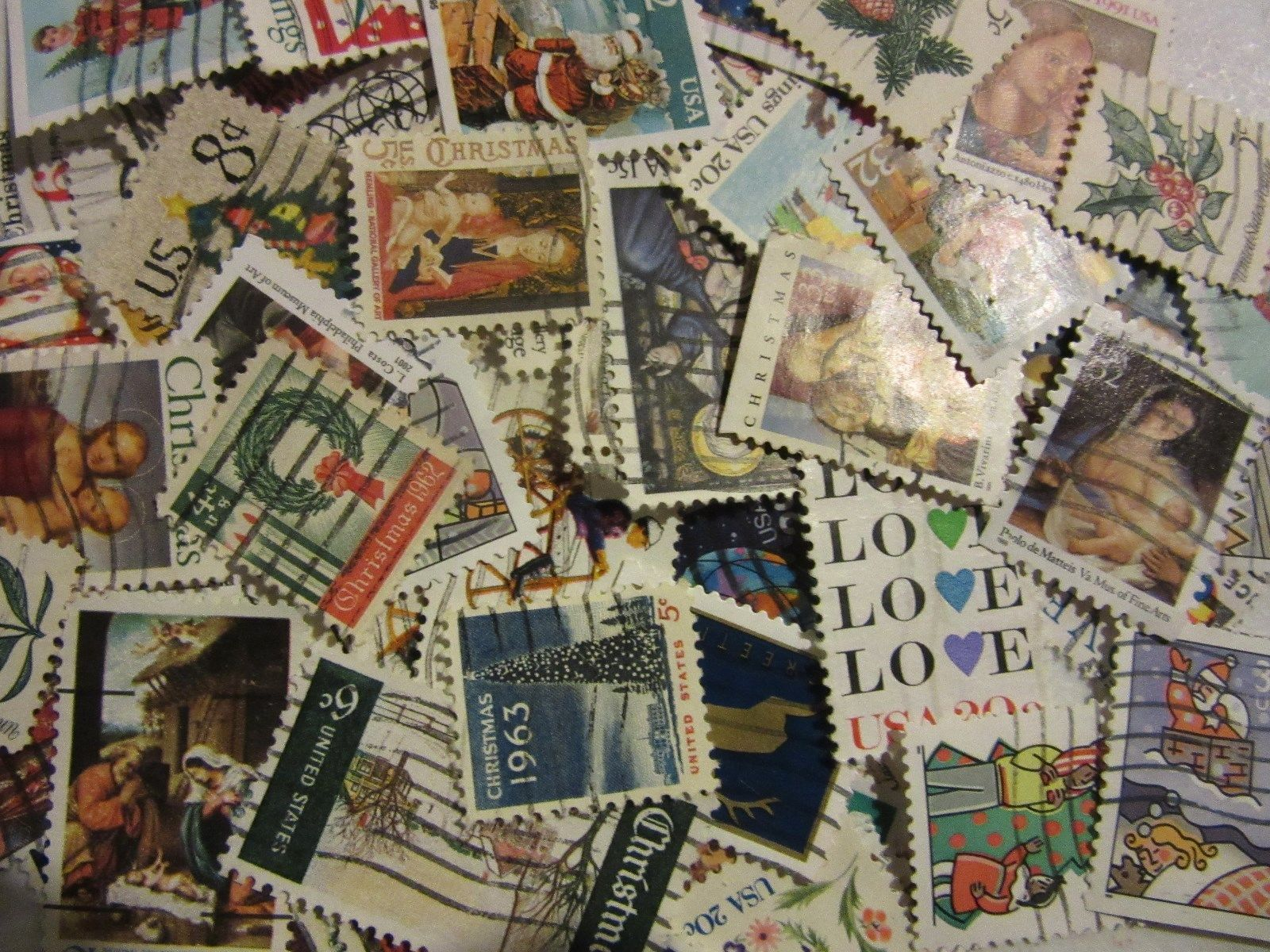 "NICE OLDER CHRISTMAS AND LOVE STAMP HOARD ""ALL DIFFERENT USED USA"" FREE SHIPPING"