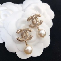 SALE* AUTHENTIC CHANEL LARGE CC LOGO PEARL GOLD DANGLE DROP EARRINGS