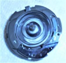 Singer 6235 Free Arm Bobbin Case #383913 w/Plastic Bobbin Used Works - $18.00